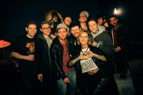 Aufbau West feiert nach Konzert im Privatclub Berlin
