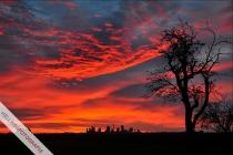 Am Morgen des 14.11.2009 taucht der nahende Sonnenaufgang den Himmel über den Geseker Zementwerken in kräftiges Rot. Laut Redewendung backen demnach die Engel pünktlich zur nahenden Adventszeit.