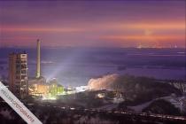 Im alten Westfalen-Werk brennt noch Licht - Erwitter Zement-Skyline im Hintergrund