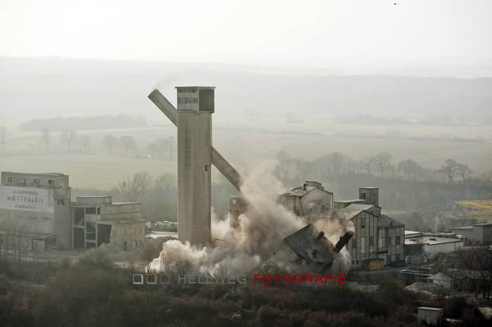 Video: Sprengung des Westfalenwerks in Geseke