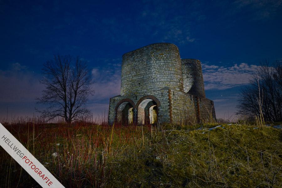 Geseker Zementgeschichte :: mit Licht bemalte Ruine