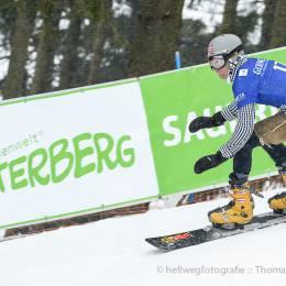 Anton Unterkofler (AUT) bei seinem Qualfikationslauf zum Weltcupfinale im Snowboard-Parallelslalom in Winterberg